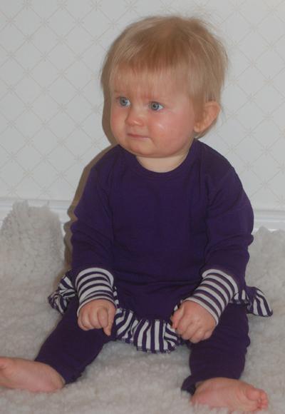 lila barnklänning